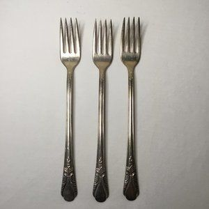Lot of 3 WM Rogers MFG Co Silver Plate Avalon Cabin 30 Grille Forks  Avalon Cabi